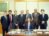 ラジモハン・ガンジーさんと江田参議院議長を表敬しました。