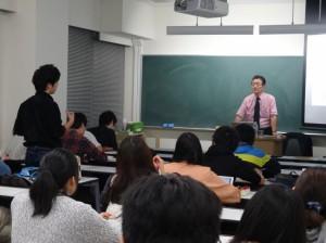 横浜国立大学経営学部で講義
