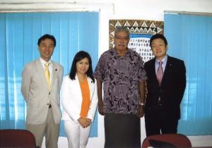 2008年9月 フィジーのライセニア・ガラセ前首相と