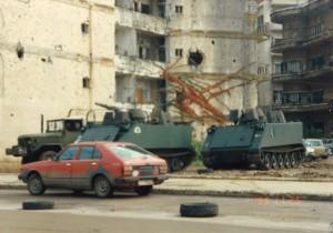 1993年11月25日内戦の傷跡生々しいレバーン