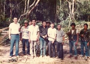 カンボジアの解放闘争を戦うクメール人民民族解放戦線(KPNLF)の兵士たちと