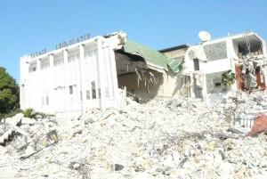 2010年1月 ハイチ大地震支援団団長としてハイチを訪問。ハイチ議会。