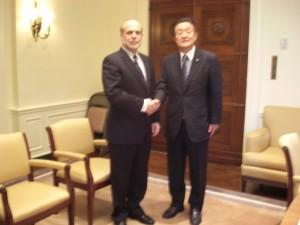 2011年5月 アメリカ連邦準備制度理事会(FRB)バーナンキ議長を訪問。