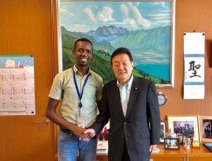 JICAのアフリカ人材育成イニシアチブの研修で来日中のスレイマン・オラッドさんの訪問を受けました
