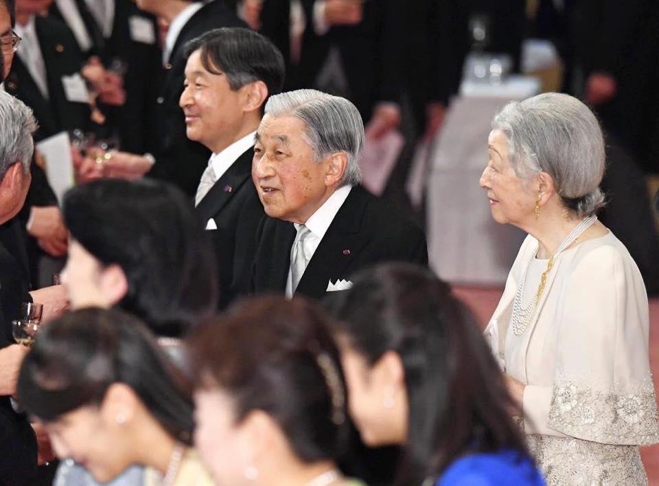 皇居・宮殿「豊明殿」での茶会へのお招きを頂きました.