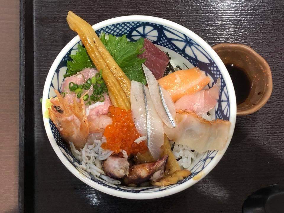 いかせ庵の、海鮮丼定食を頂きました
