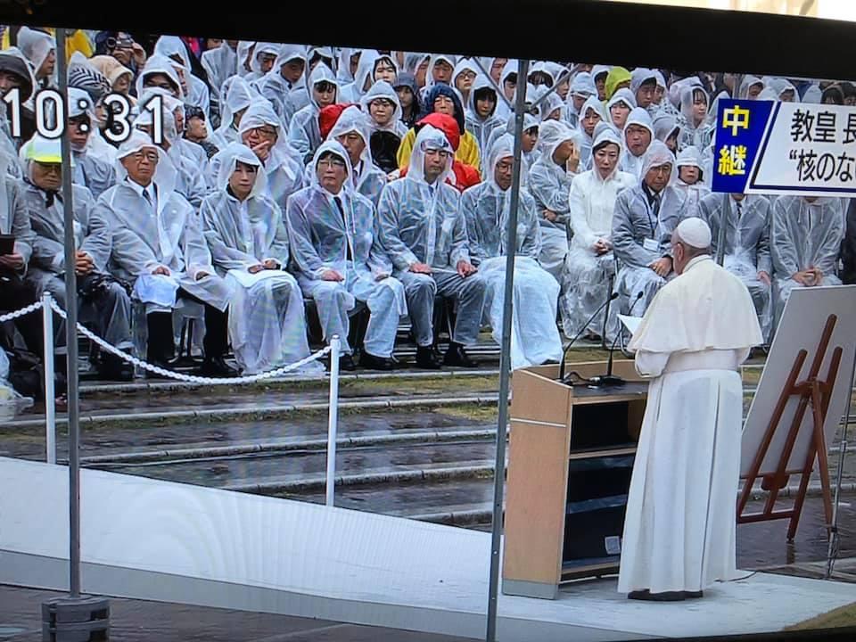 ローマ法王が世界の指導者に警鐘