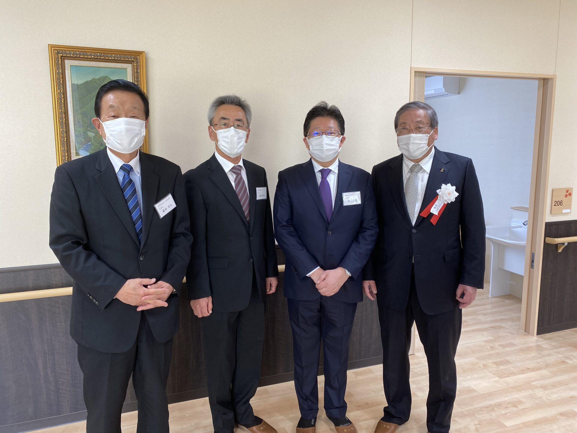 松寿園の『サテライト松寿園 和』と、『グループホーム まつのいえ』の竣工式に出席
